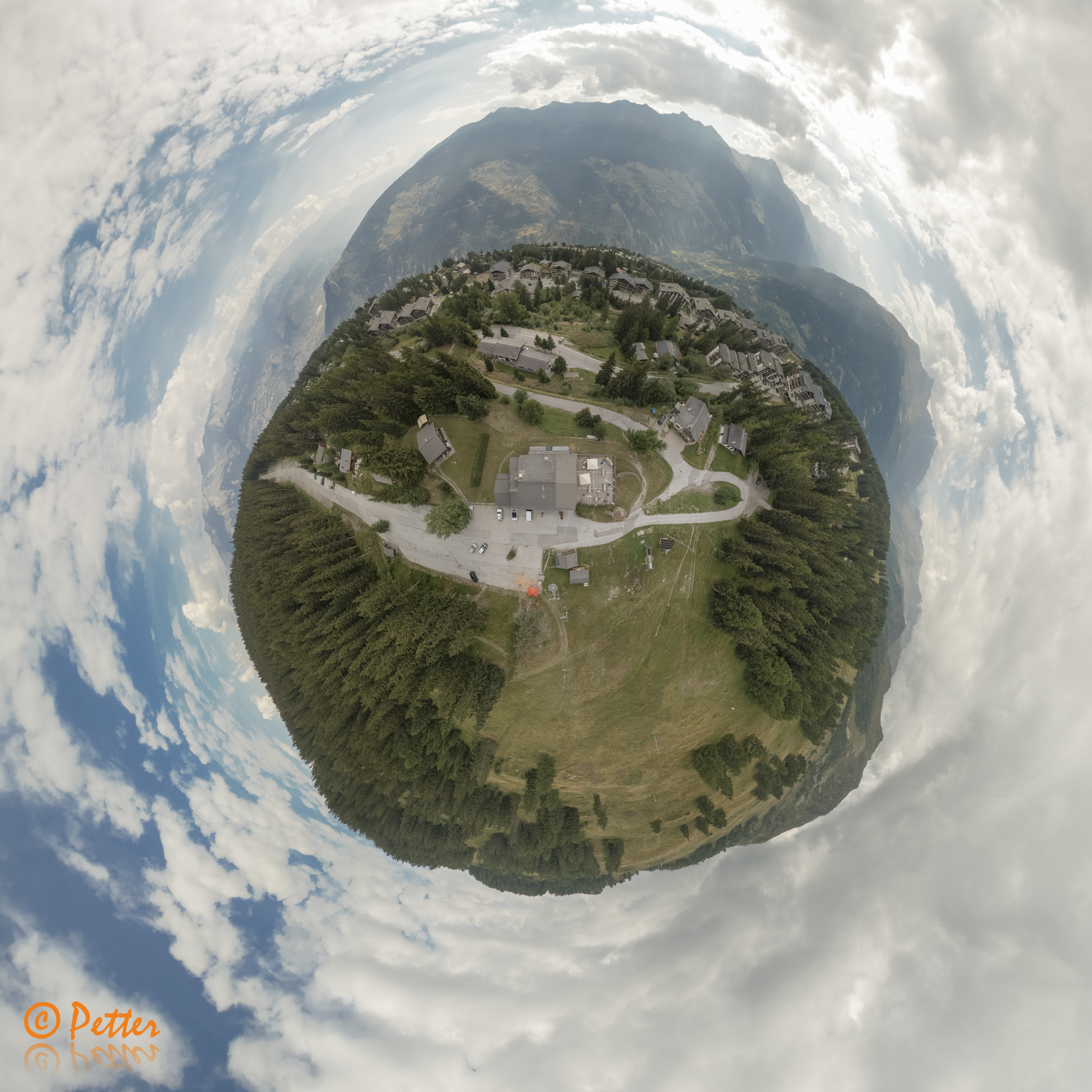 La Cambuse - 360 panoramaPlanet by SwissAerial.ch